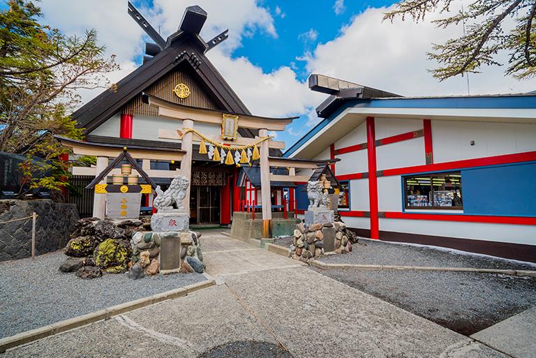 ศาลเจ้าโคมิตาเกะ (Komitake Shrine)